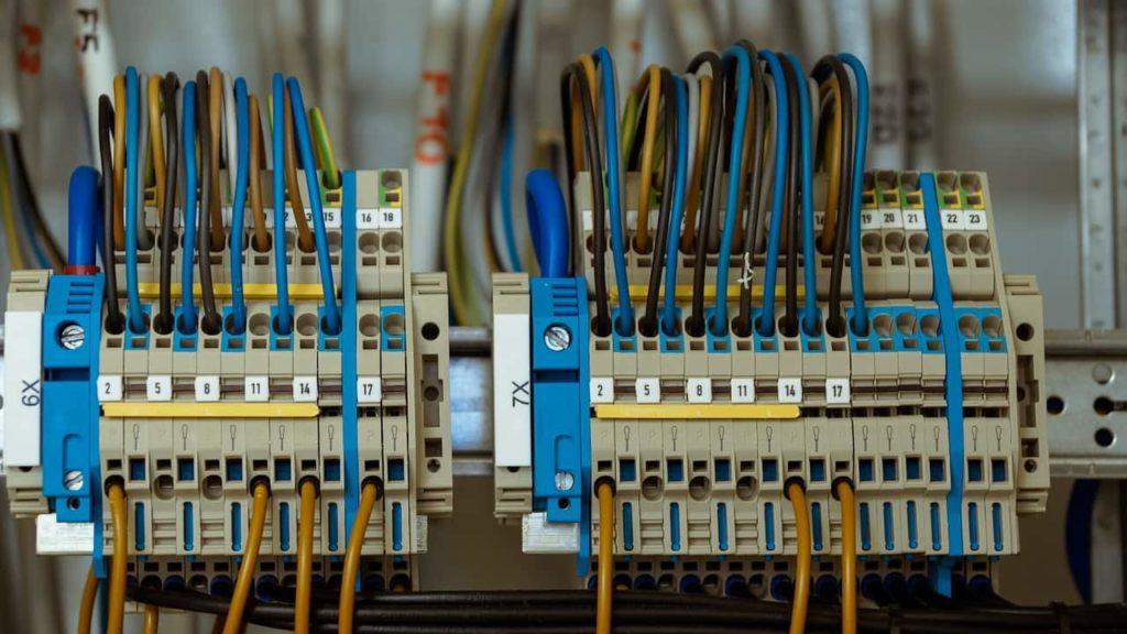 instalacja elektryczna i teletechniczna