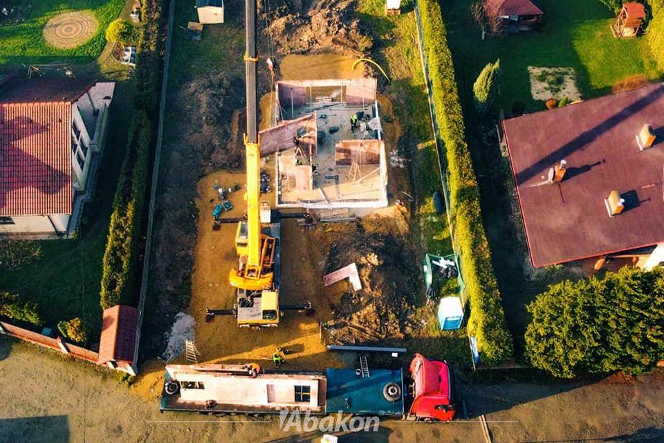 budowa domu z lotu ptaka